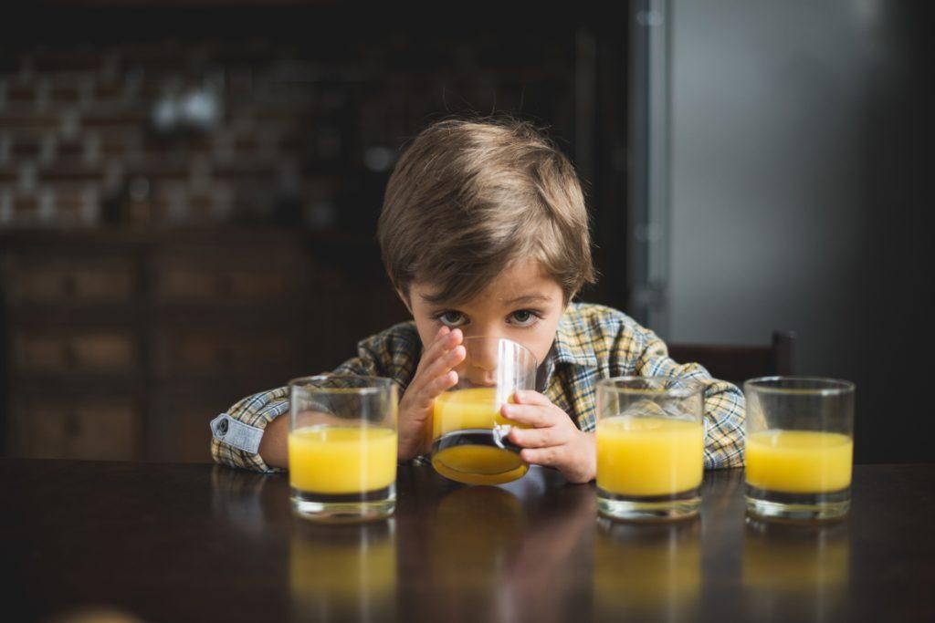 napoje dla dzieci, dziecko, sok