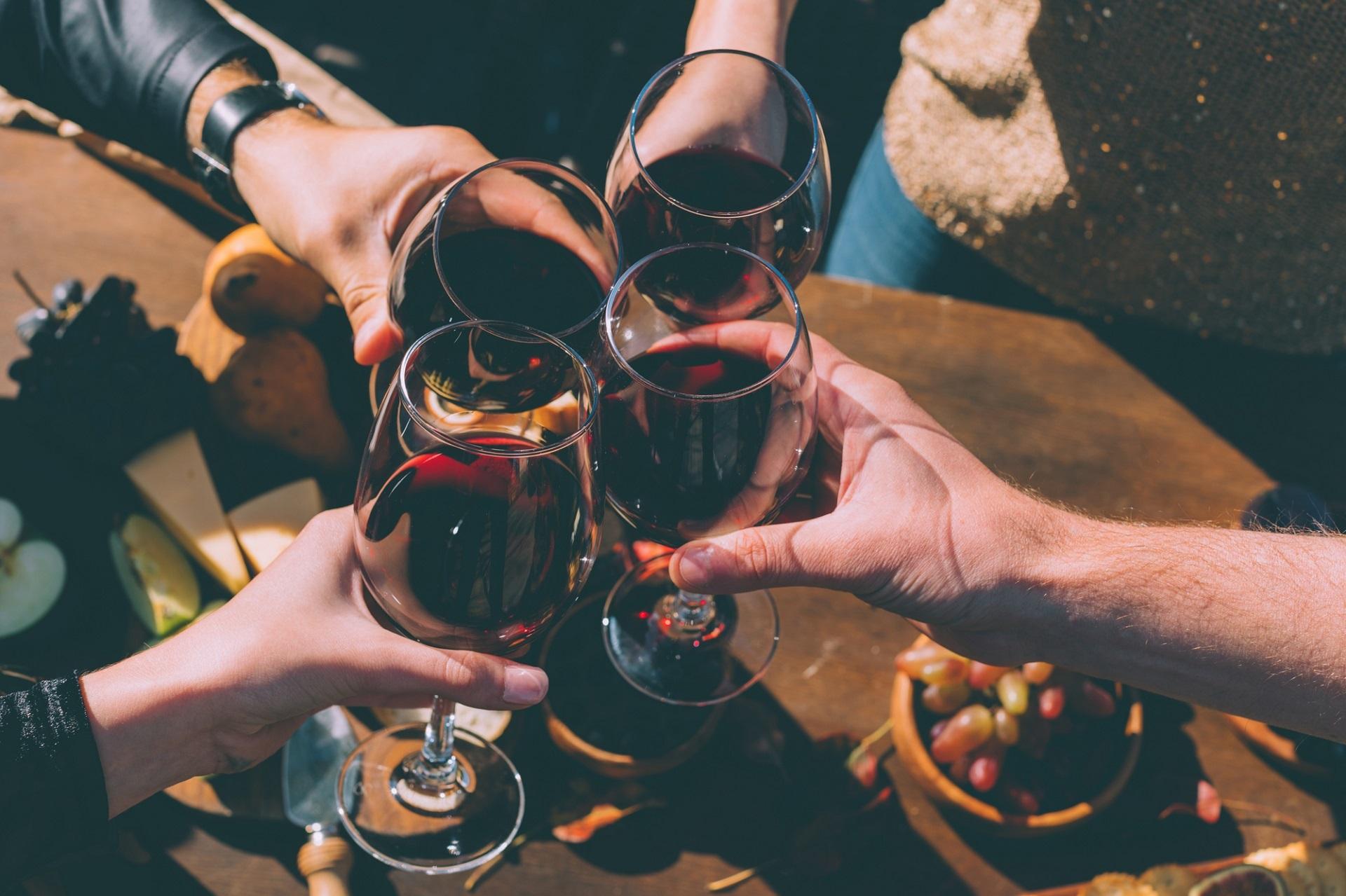 lampka wina, wino, alkohol